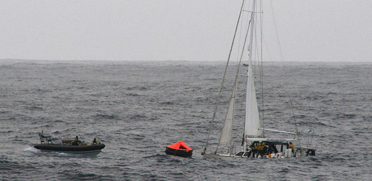 HMS Clyde RIB approaches stricken Oyster